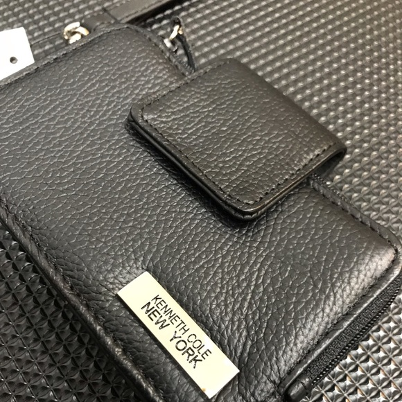 Kenneth Cole Handbags - NWT Kenneth Cole NY leather Wallet